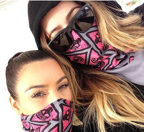 khloe_kardashian_kim_kardashian_mud_run_bandana_instagram_19lrjvp-19lrk37