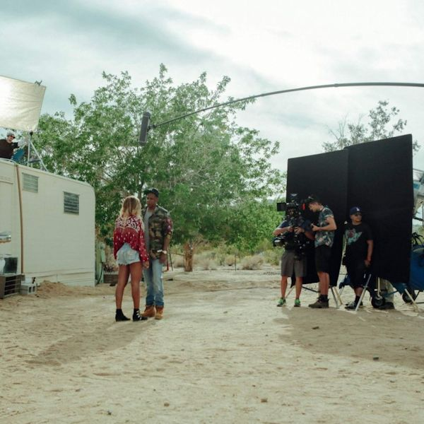 Beyonce-and-Jay-Z-On-The-Run-Behind-The-Scenes-8