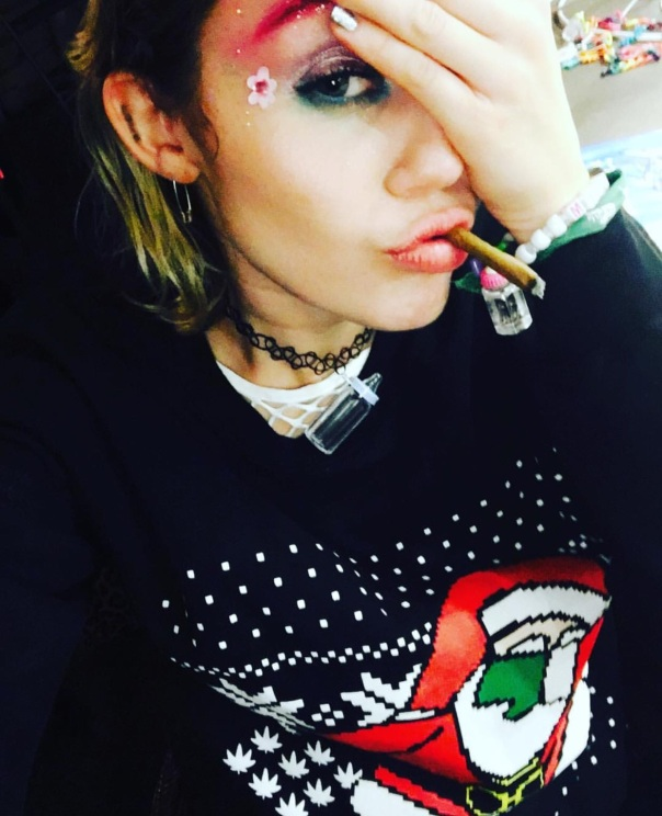 Miley Cyrus Dabbing sweater