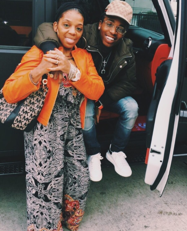 Jacquees & his mom - Westpoppn.com