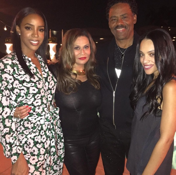 Kelly's birthday with beyonce's mom & her husband +family -Westpoppn.com