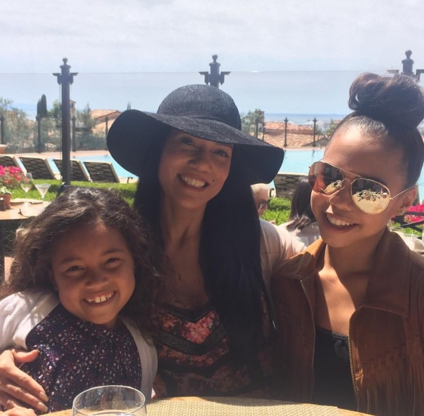 Asia and her mom and sister-Westpoppn.com