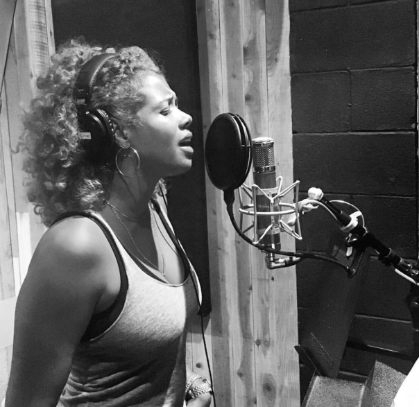 Kelis back in the studio- Westpoppn.com