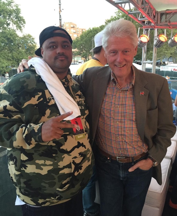 Bill Clinton and president at top dawg entertainment-WESTPOPPN.com