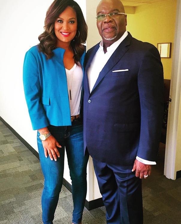 Laila Ali with TD Jakes - WESTPOPPN.com