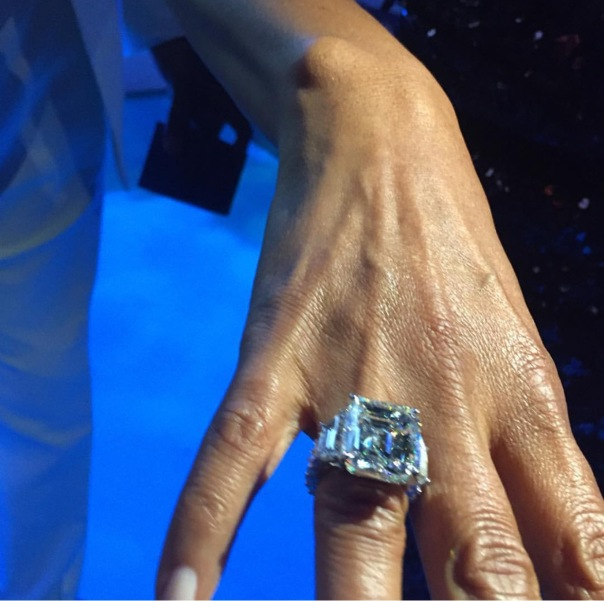the 25 Karat ring magic johnson gave to cookie for 25th Anniversary - WESTPOPPN.COM
